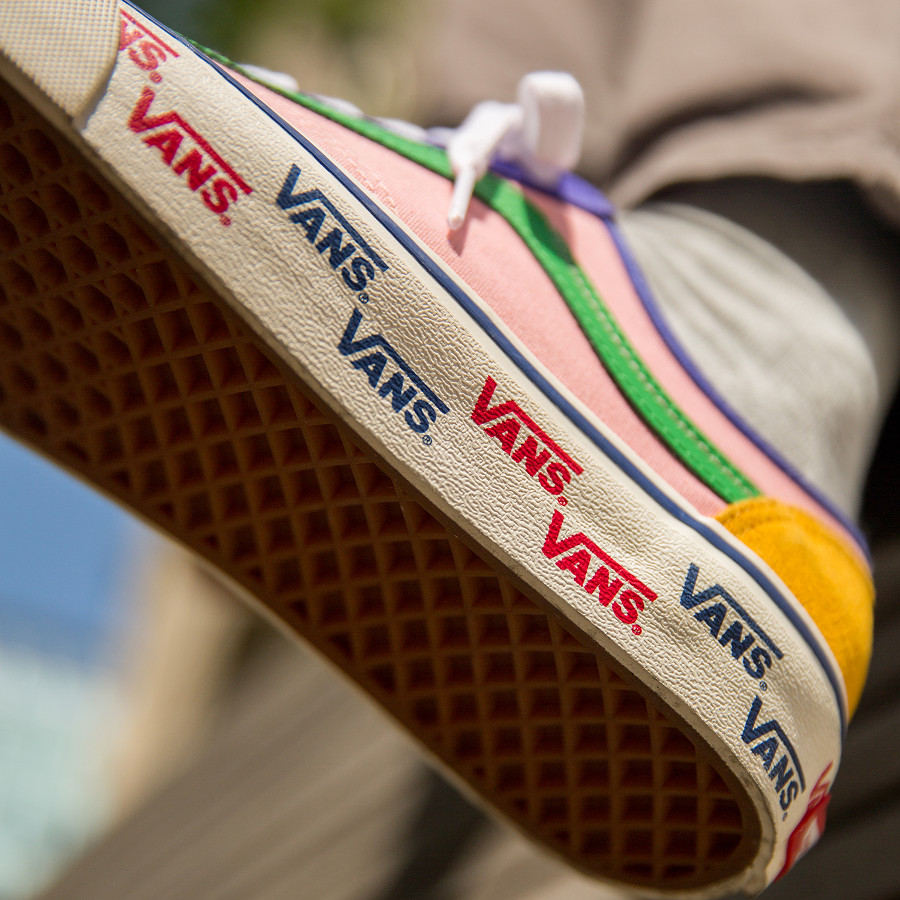 vans-style-36-allover-daim-et-cuir-multicolore-on-feet (5)