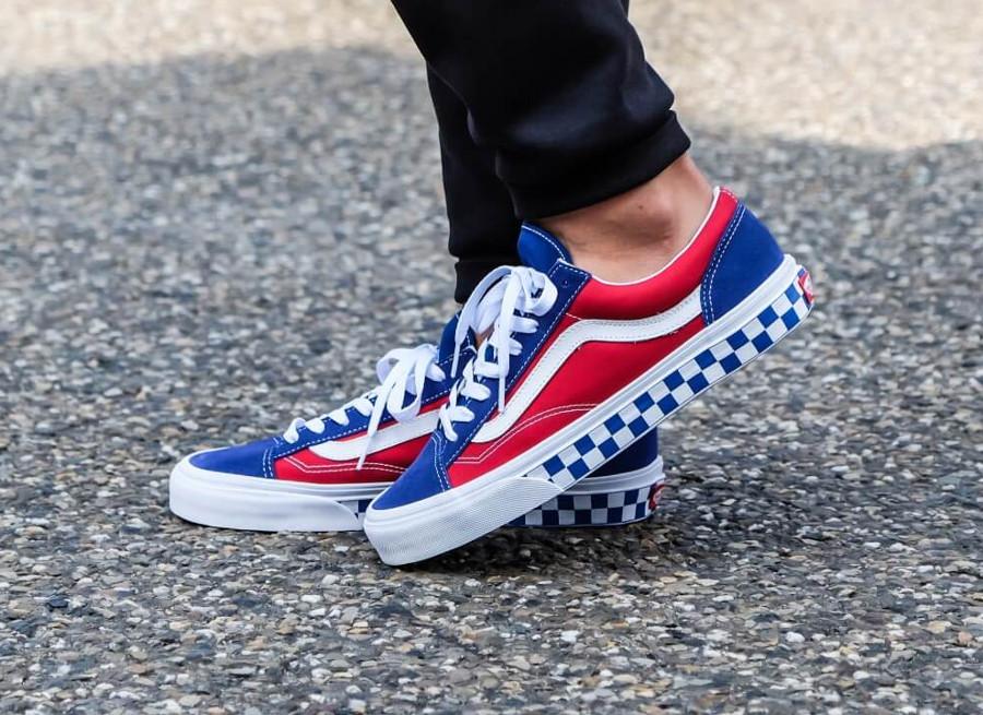 vans-style-36-bleue-et-rouge-avec-damiers-on-feet-VA3DZ3U8H (4)