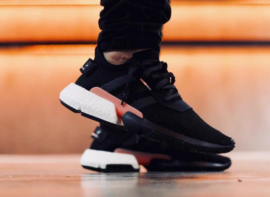 Adidas-POD-system-S3-1-homme-noire-et-rose-B37447 (3)