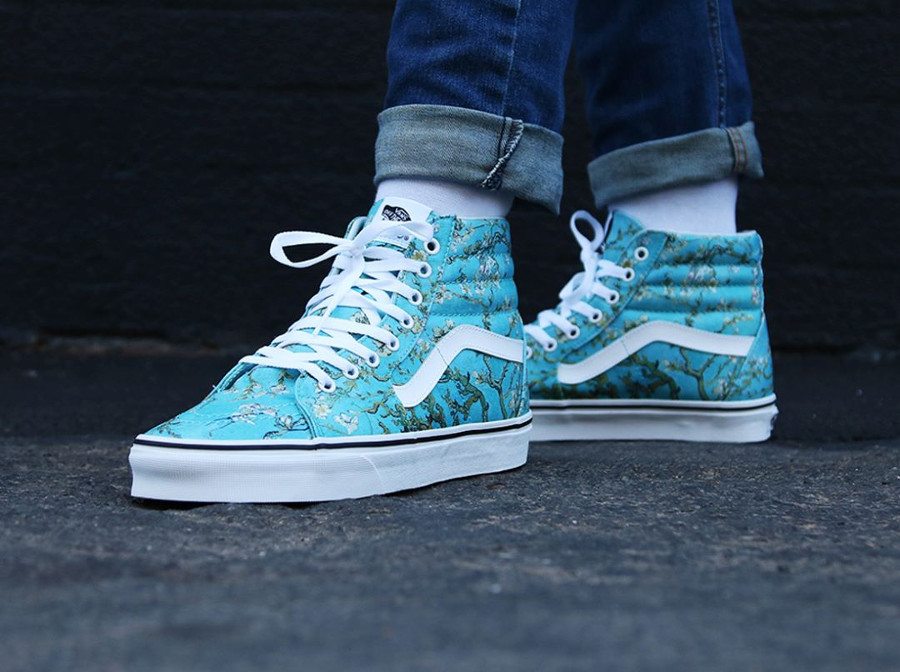 Chaussure Vans SK8 Hi Almond Blossom aux pieds