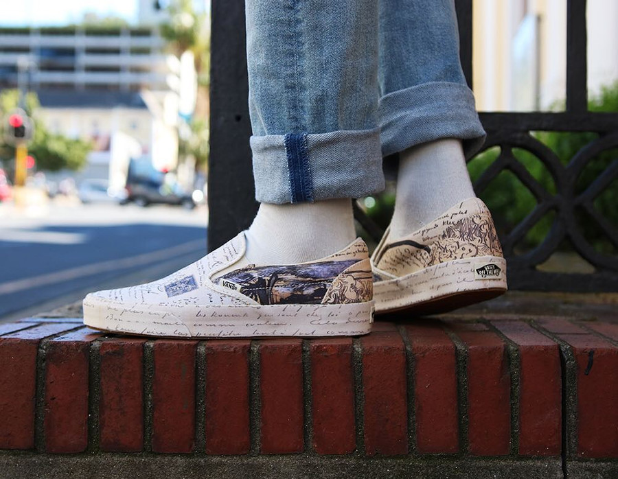 Chaussures Vans Slip On Letters aux pieds