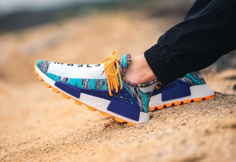 adidas-nmd-human-race-blanche-turquoise-orange-BB9528 (1)