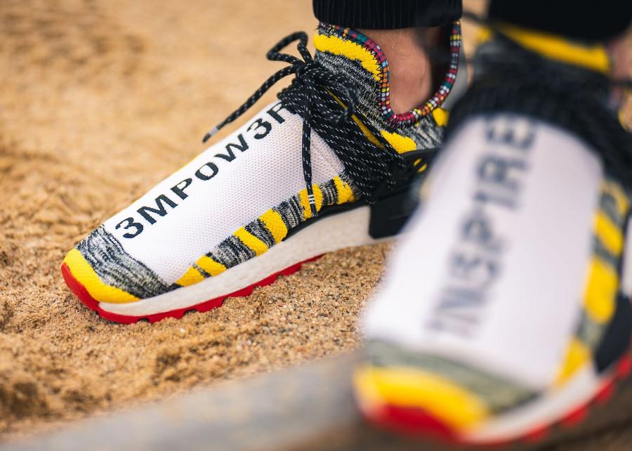 adidas-nmd-human-race-noire-jaune-et-rouge-BB9527 (2)