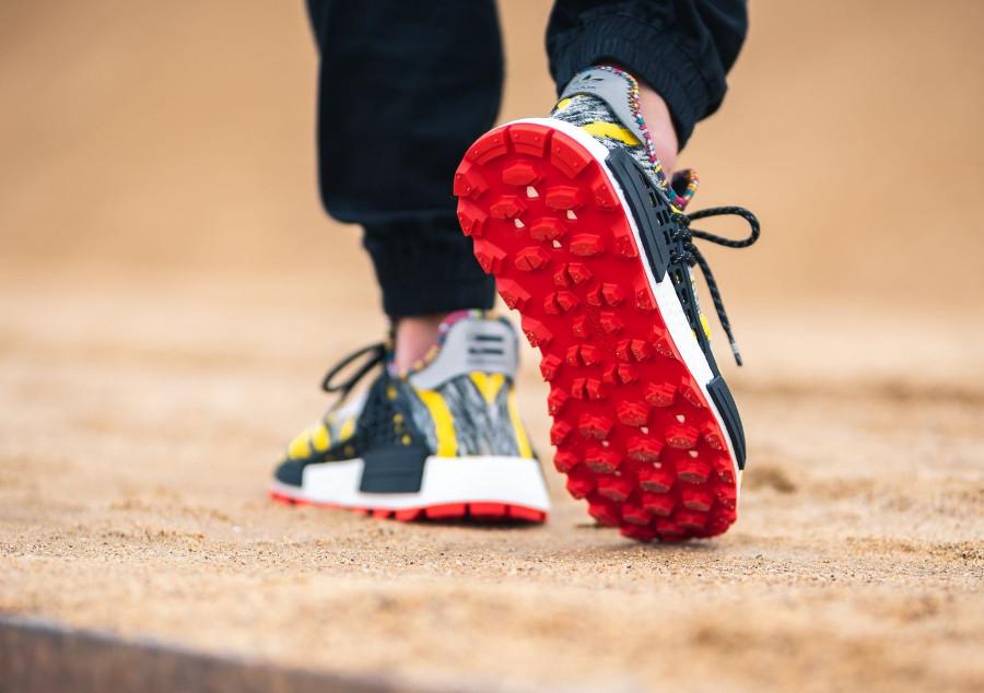 adidas-nmd-human-race-noire-jaune-et-rouge-BB9527 (3)
