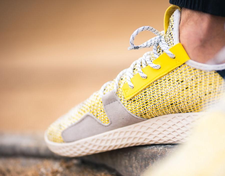 adidas-pw-tennis-hu-jaune-et-noire (3)