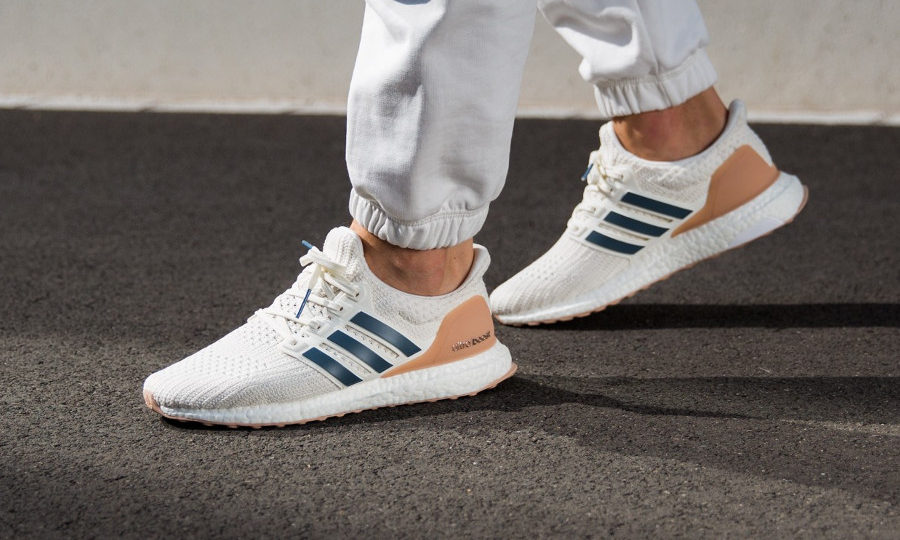 adidas-ultraboost-4-0-cloud-white-show-your-stripes-on-feet- cm8114
