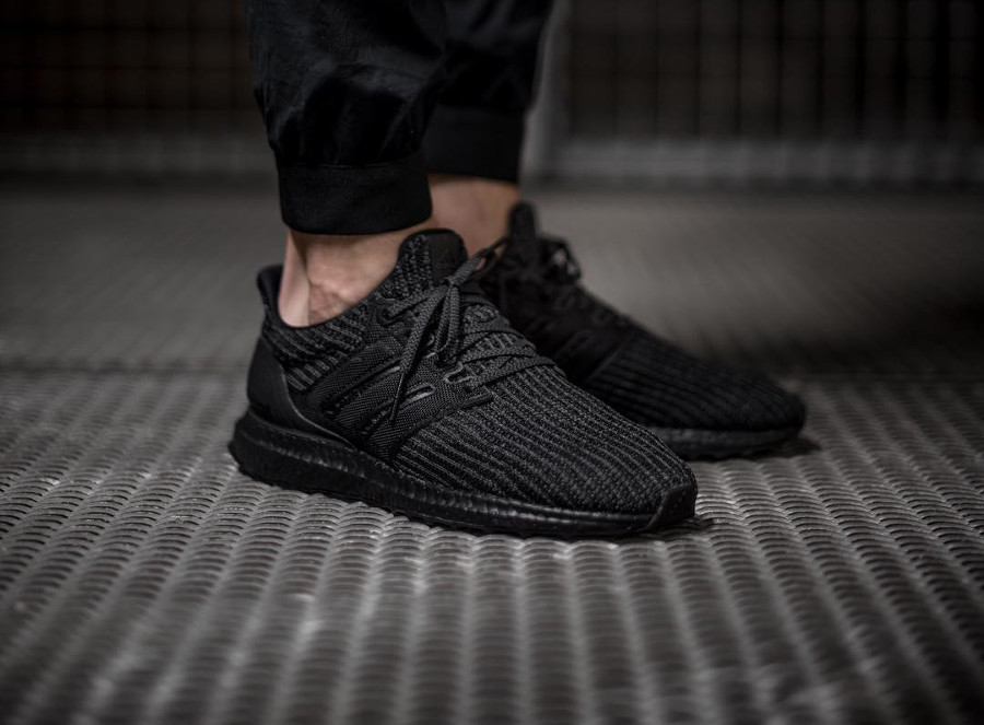 adidas-ultraboost-4-0-en-primeknit-noir-on-feet- bb6171 (2)