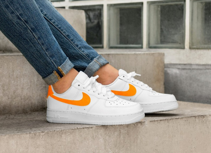 air-force-one-low-femme-blanche-et-orange-AH0287 101 (1)