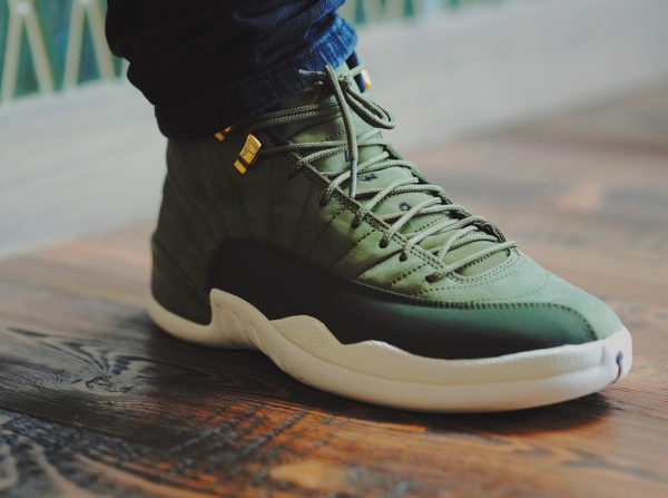 5804704e83 Que vaut la Air Jordan 12 Retro CP3 Olive Canvas Class of 2003 ?