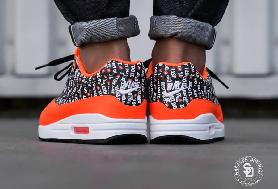 air-max-87-allover-print-orange-on-feet-875844-008 (1)