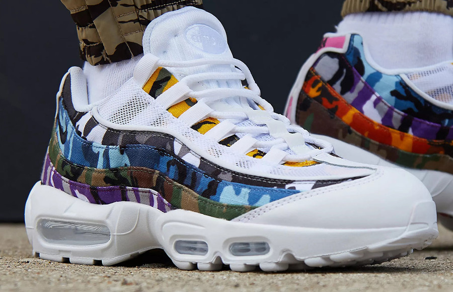 air-max-95-blanche-imprimé-camouflage-multicolore-on-feet-AR4473-100 (2)