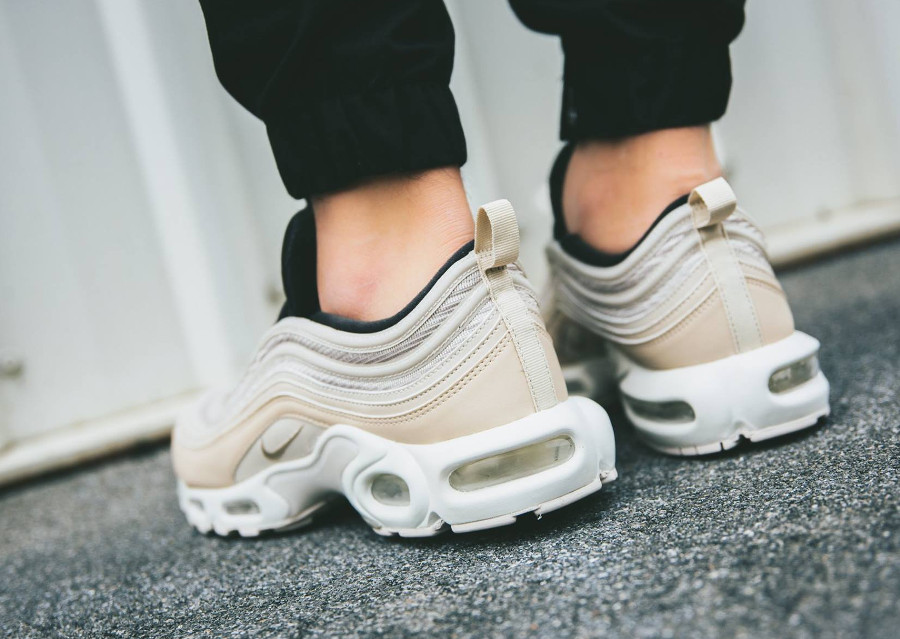 1fcff43f9c0 Nike Air Max Plus 97 Light Orewood Brown. air-max-plus-97 -beige-noire-et-turquoise-