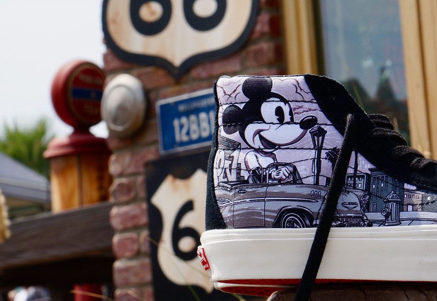 disney-vans-vault-sk8-hi-mister-cartoons-mickey-mouse