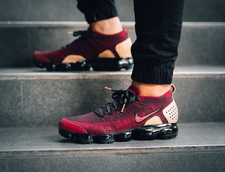 guide-achat-air-vapormax-2-bordeaux-et-beige-on-feet (2)