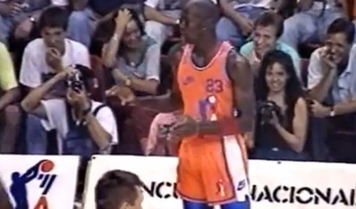 michael-jordan-match-barcelone-1990