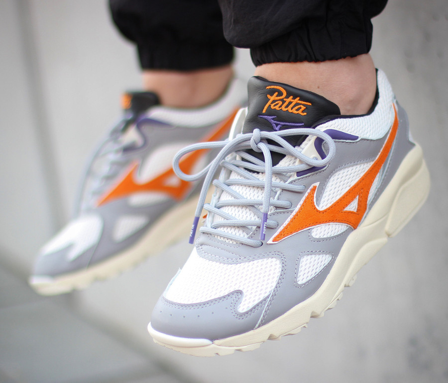 ca35b36343 Comment acheter la Patta x Mizuno Kazoku Sky Medal White Orange