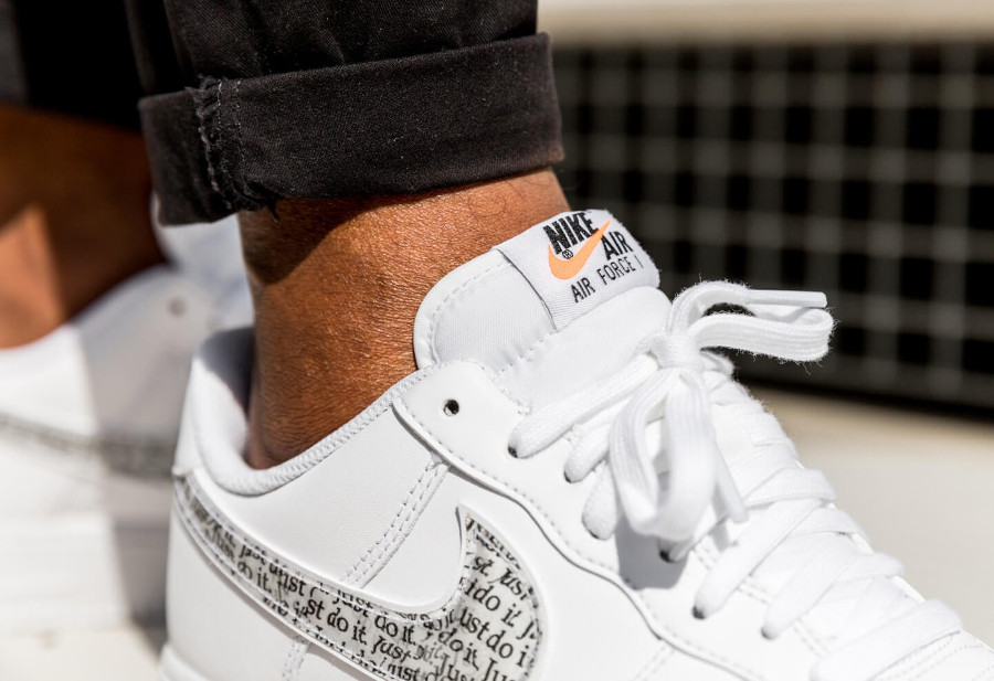 competitive price 3af7f dcaf4 Que vaut la Nike Air Force 1 '07 LV8 JDI LNTC White 'Allover Print ...