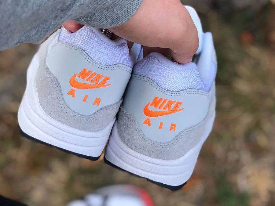 nike-air-max-87-pure-platinum-total-orange-AT0043-001 (1)
