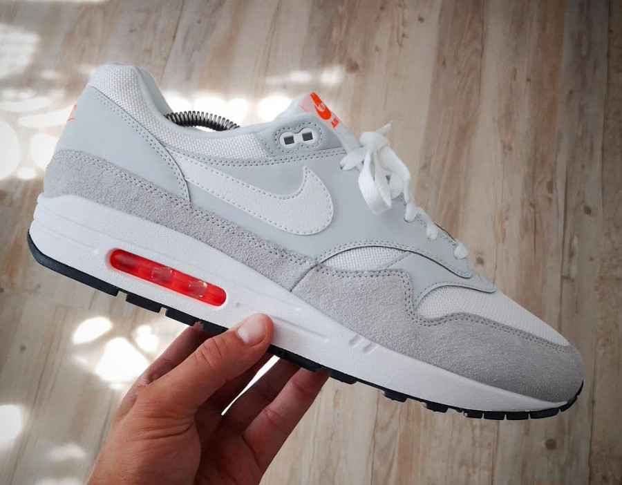 coupon codes good service sneakers for cheap Que vaut Nike Air Max 1 JDI homme Pure Platinum Total Orange ?
