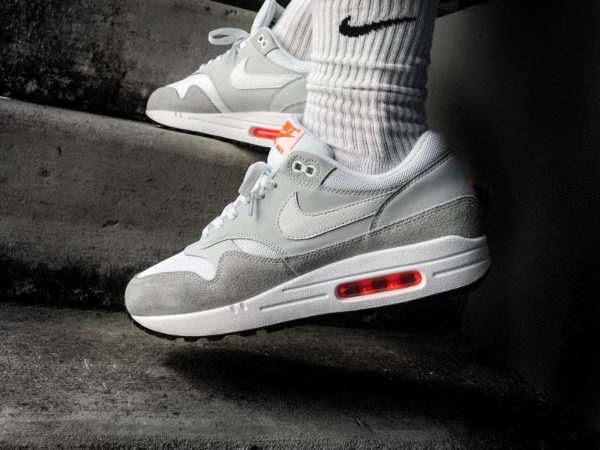 le dernier 80aa6 ba31d Que vaut Nike Air Max 1 JDI homme Pure Platinum Total Orange ?
