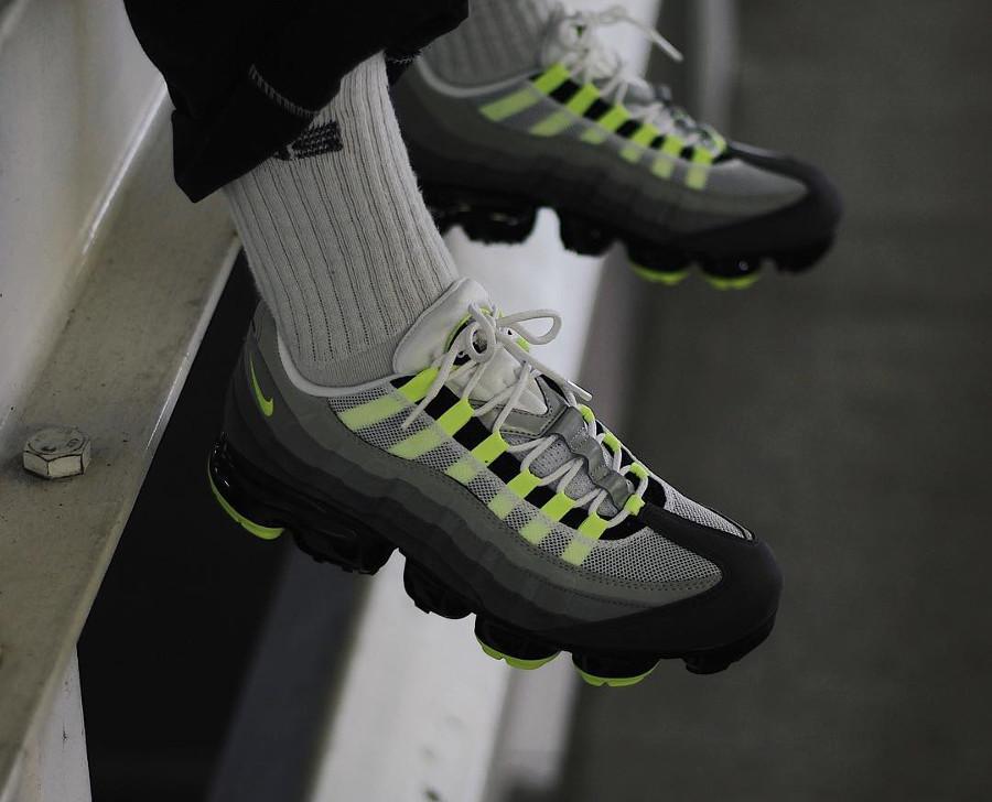 nike-air-vapor-max-95-gris-noire-et-vert-fluo-AJ7292-001 (3)