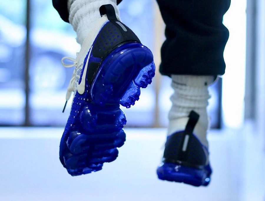 Nike Air Vapormax 2 Flyknit 'Light Cream Racer Blue'