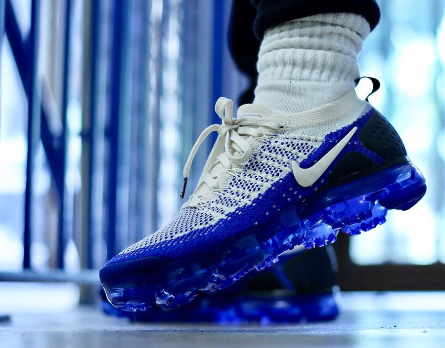 nike-air-vapormax-2-homme-beige-et-bleue-on-feet-942842-204 (4)
