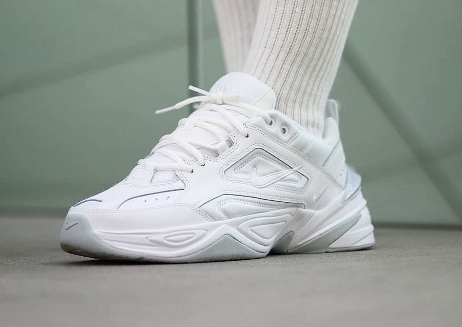 La collection Nike M2K Tekno pour homme (Phantom, White & Black)