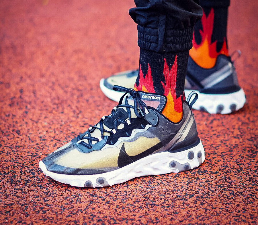 nike-react-element-87-anthracite-black -chaussettes-avec-flammes- @spatd0