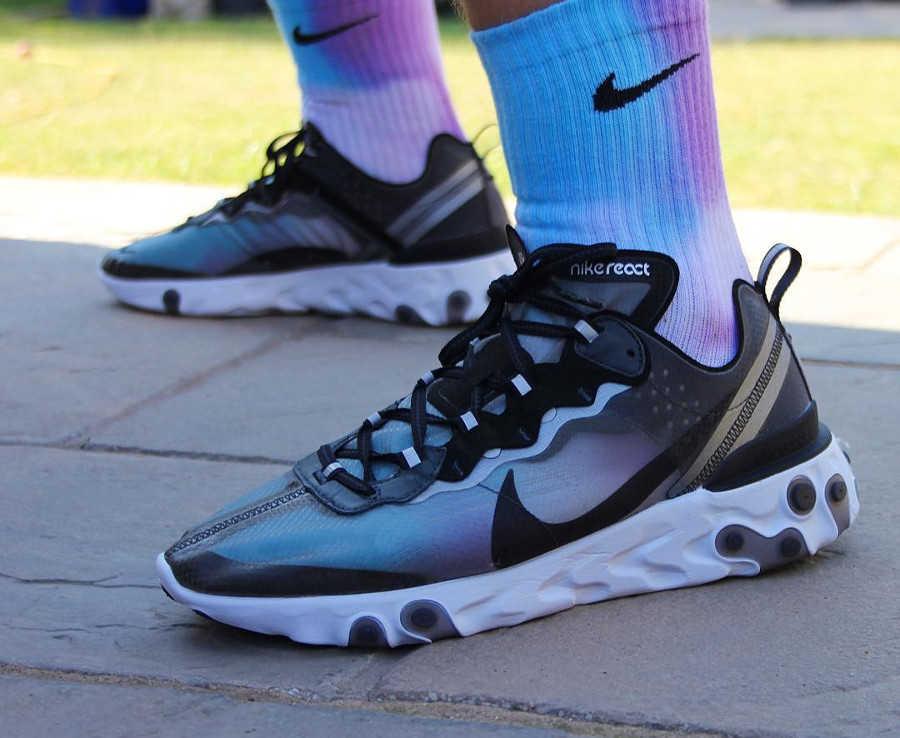 nike-react-element-87-anthracite-black-chaussettes-nike-aurore-boreale @thecharlescollective_