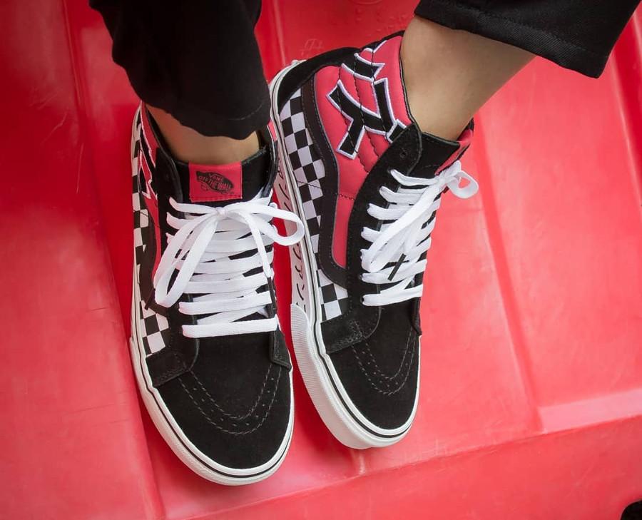 vans-sk8-hi-damier-caractères-japonais-rouge-blanche-et-noire (3)