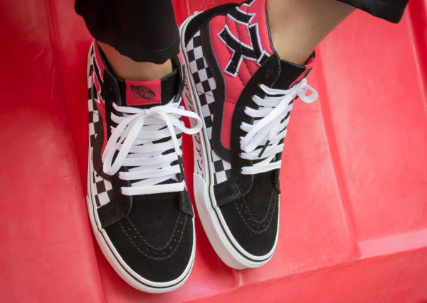 Chaussure Vans SK8 Hi Reissue Japanese Type on feet