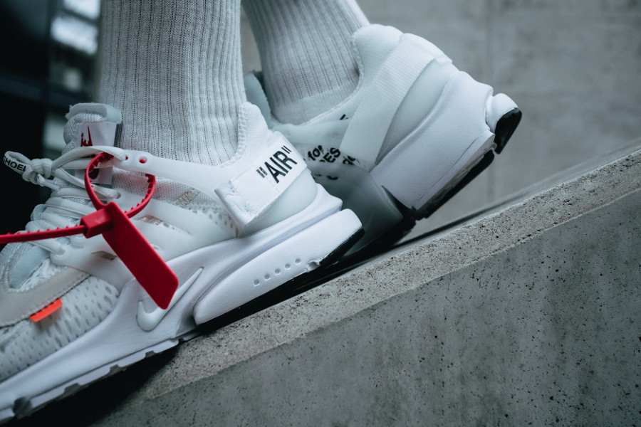 virgil-abloh-nike-air-presto-en-mesh-blanc-on-feet-AA3830-100 (4)