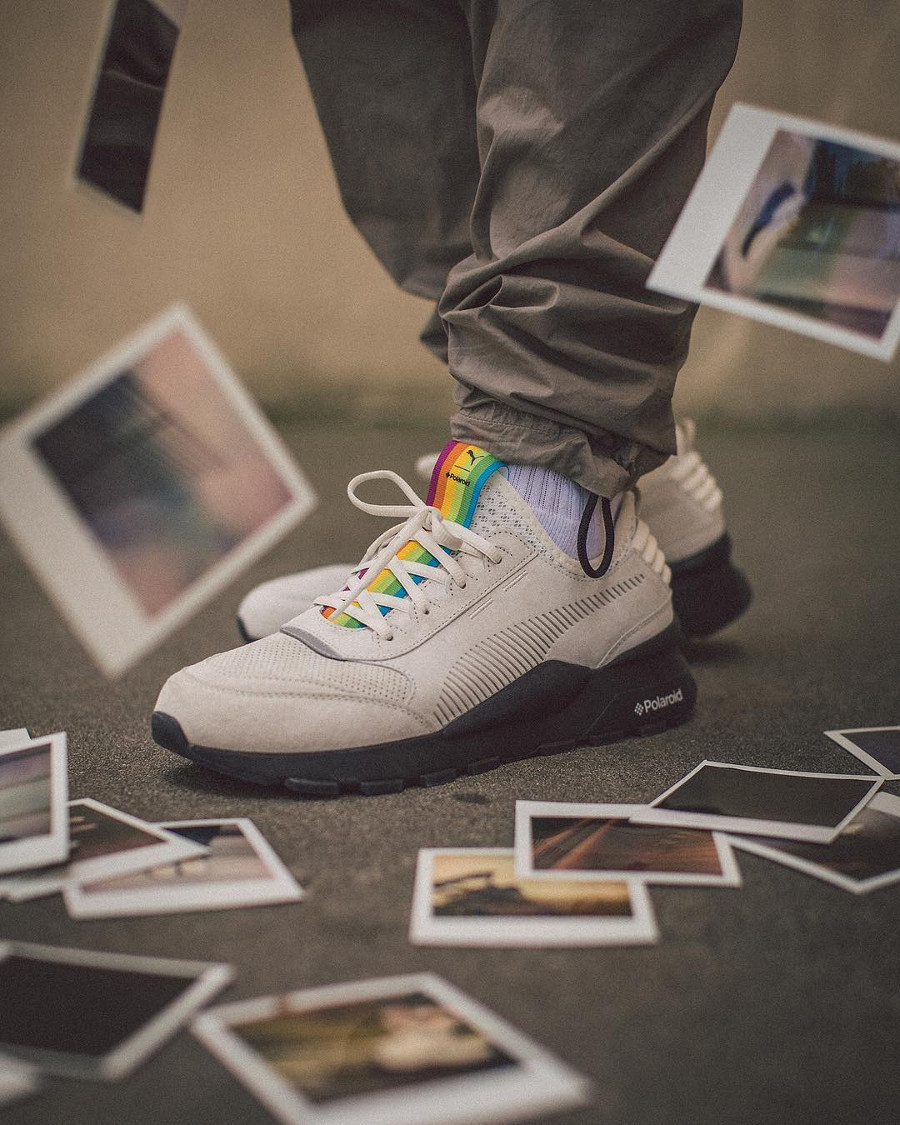 Polaroid x Puma RS-0 Marshmallow Black on feet (368436_01) (2)