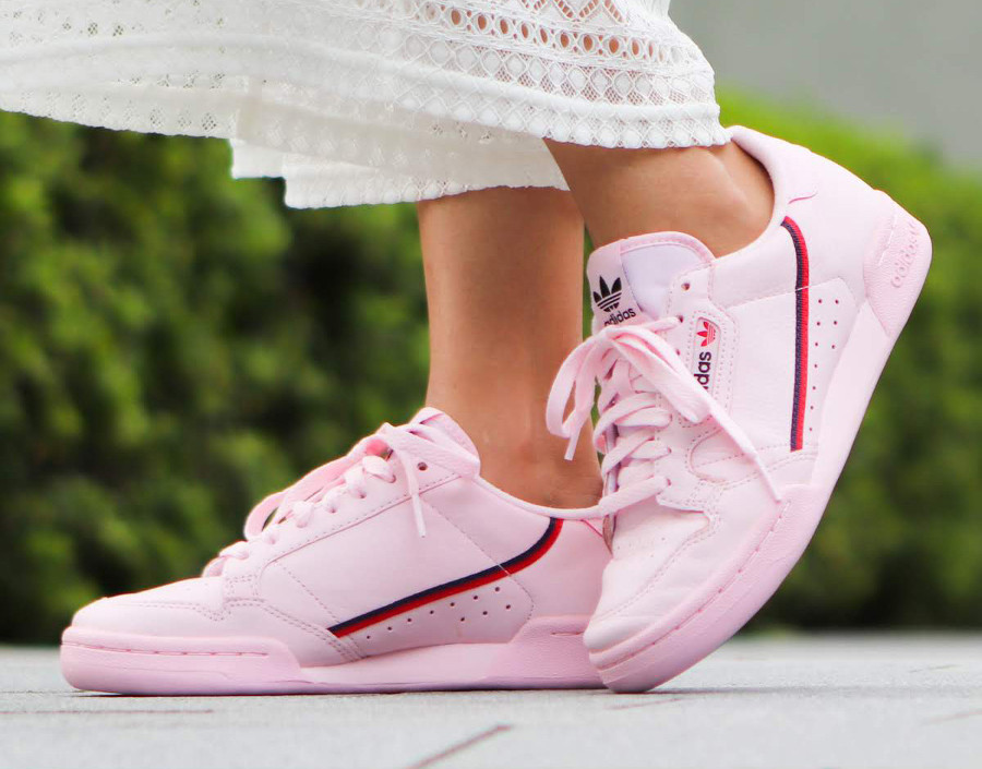 adidas-continental-80-femme-en-cuir-rose-on-feet