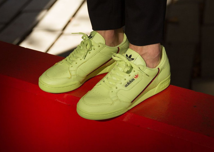 adidas-contintenal-80-yeezy-350-v2-on-feet (5)