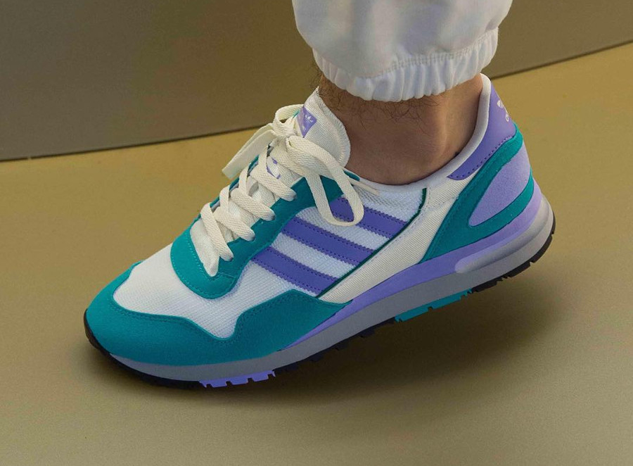 adidas-originals-Lowertree-spezial-blanc-cassé-violet-et-turquoise-on-feet (1)