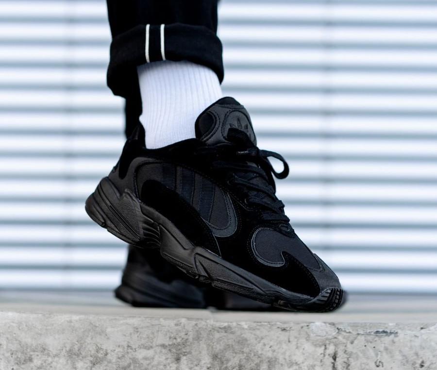 adidas-originals-yung-1-toute-noire-G27026 (3-1)