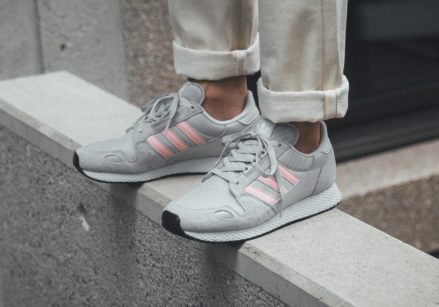 adidas-originals-zx-452-spzl-grise-et-rose (2)