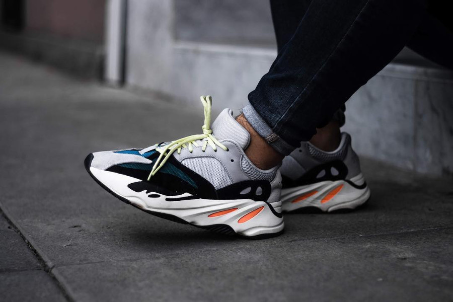 fausse yeezy 700