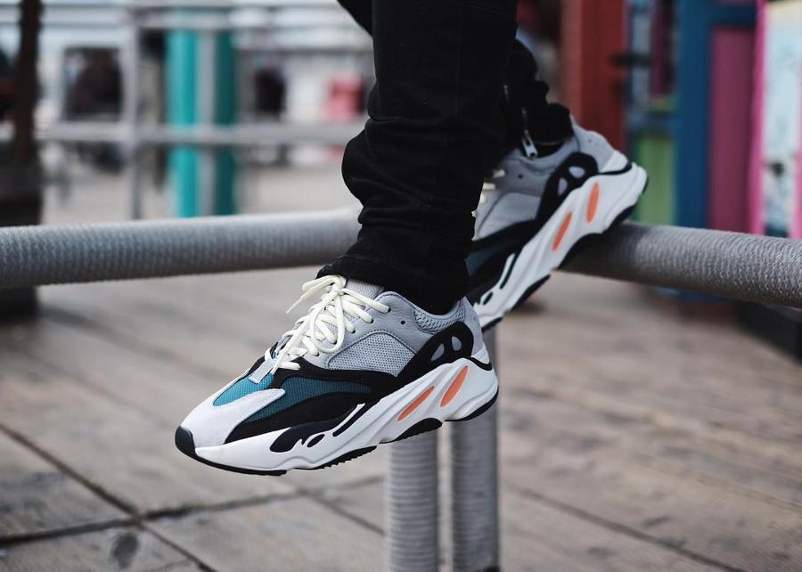 adidas-yeezy-700-on-feet - @jiostamaria