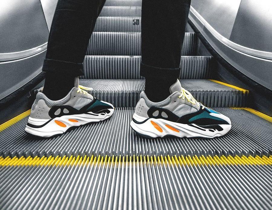 adidas-yeezy700-on-feet-@permanent.memory