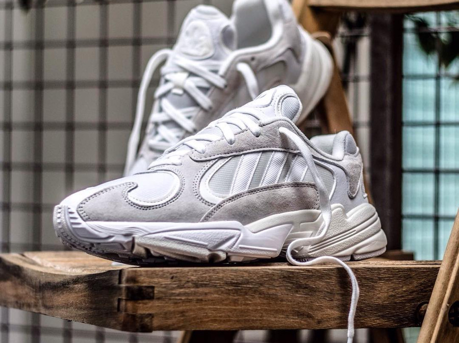 La Adidas Falcon Dorf Yung 1 blanche Cloud White : comment l