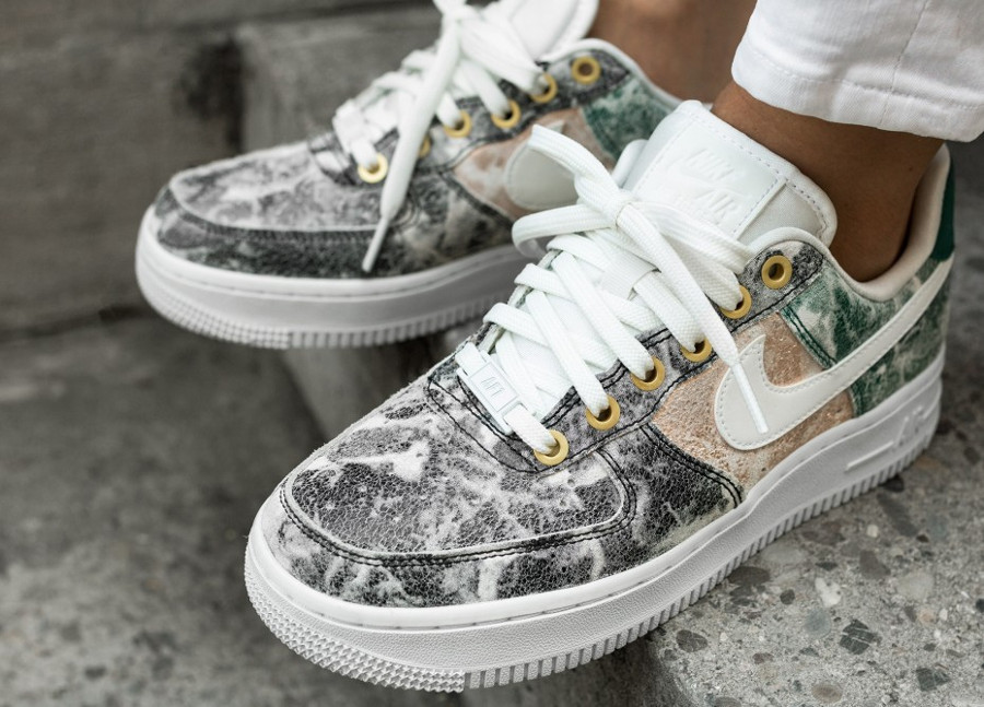 Nike Wmns Air Force 1 '07 LXX Low 'Summit White Oil Grey'