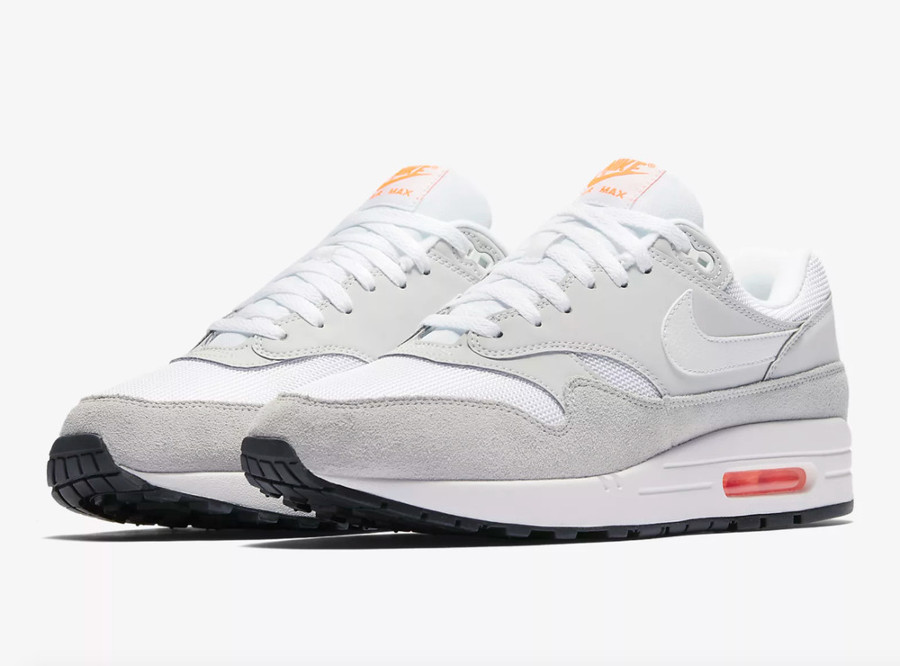 air max 1 pure platinum total orange en solde