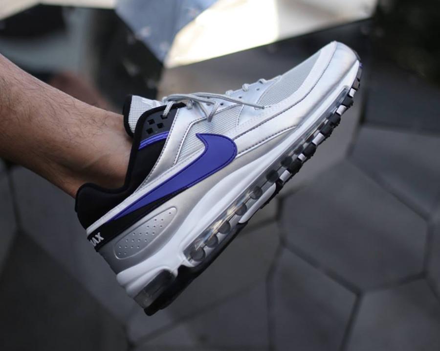 air-max-97-bw-gris-metallique-avec-swoosh-violet (1)