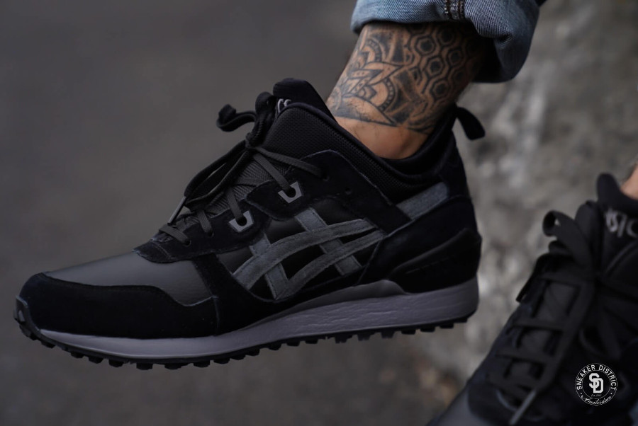 asics-gel-lyte-iii-mid-noir-et-gris-on-feet-1193A035-001 (2)