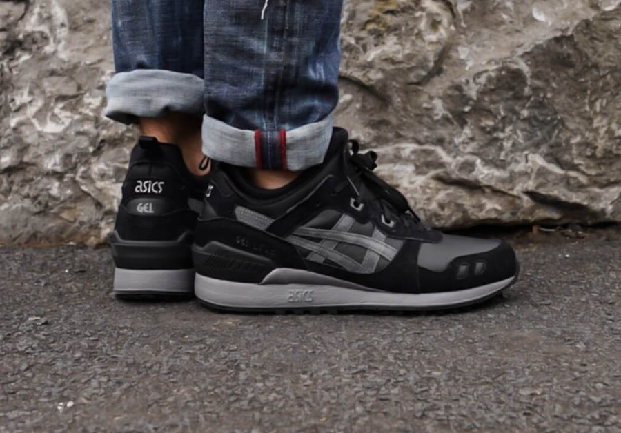 asics-gel-lyte-iii-mid-noir-et-gris-on-feet-1193A035-001 (3)