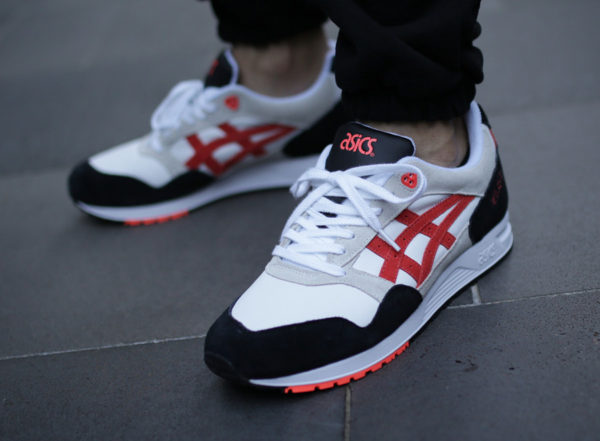 chaussure Asics Gel Saga 'Black Beige White Flash Coral' (1193A095-100)