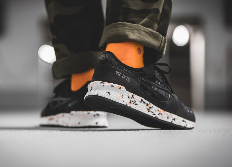asics-tiger-hyper-gel-lyte-noir-black-on-feet (3)